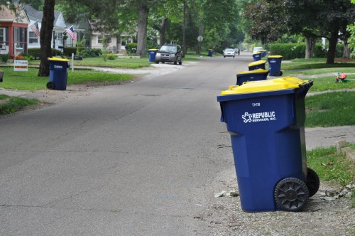 Curbside Recycling Pilot in Keystone-Monon neighborhood (image credit: Curt Ailes)