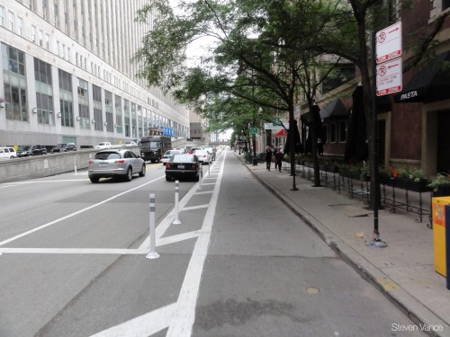 Kinzie Ave Cycle Track (image credit: Steven Vance)