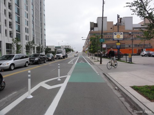 Painted lane indicators on Kinzie Ave (image credit: Steven Vance)