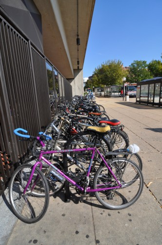 Packed bicycle rack at Braddock Road Metro (image credit: Curt Ailes)