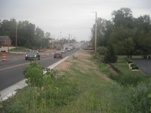 Emerson Ave on South Side w/out sidewalk (image credit: Eric McAfee)