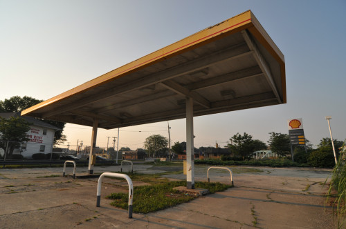 Shell Station in Broad Ripple (image credit: Curt Ailes)