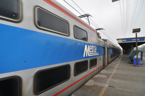Metra Commuter Train (image credit: Curt Ailes)